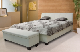 Menší fotografie ložnice, postele - Eskada