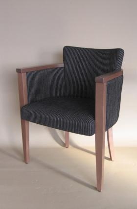 Menší fotografie dřevěné židle - 323 729