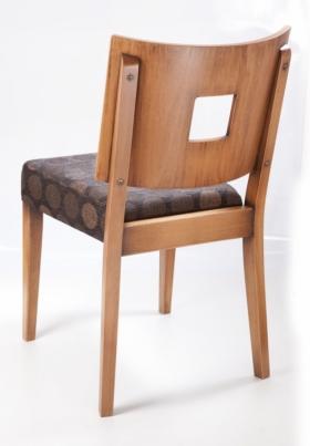 Menší fotografie dřevěné židle - 313 185 zadní pohled