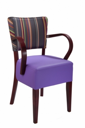 Menší fotografie dřevěné židle - 323 761
